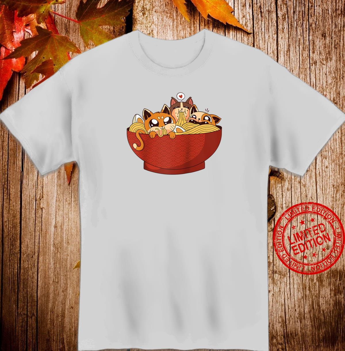 Kawaii cats eating ramen noodles Japanese Anime Aesthetic Shirt
